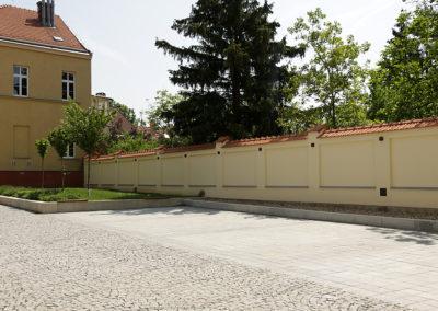 2015-Oprava zdi na nádvoří radnice