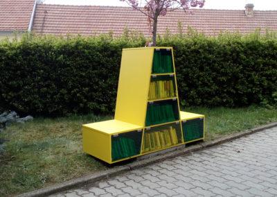 2017-Knihovní lavička Holásky