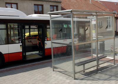 2017-Přístřešek na autobusové zastávce Chrlická